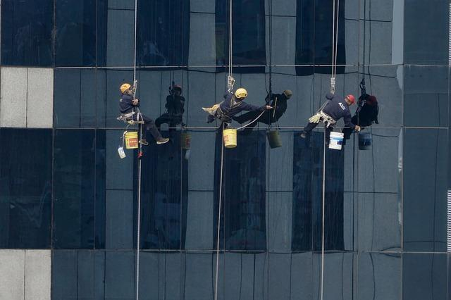 מוניטין ניקוי חלונות בגובה