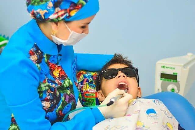 ניהול מוניטין לרופאת שיניים